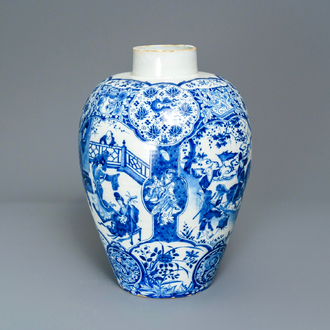 An exceptional and large Dutch Delft blue and white chinoiserie vase, 17/18th C.