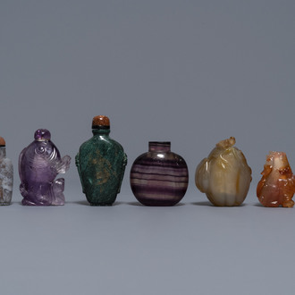 Seven Chinese hardstone, agate and quartz snuff bottles, 19/20th C.