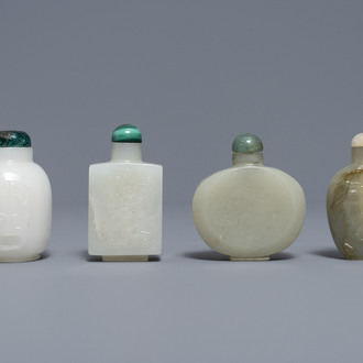 Four Chinese white and celadon jade snuff bottles, 19/20th C.