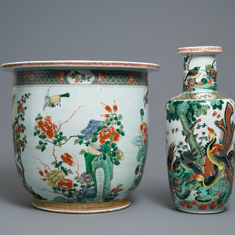 A large Chinese famille verte jardinière and a rouleau vase, 19th C.