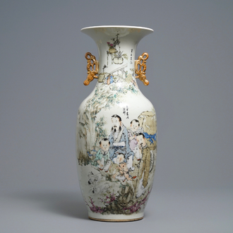 A Chinese qianjiang cai vase with figures and geese, signed Ma Qing Yun, 19/20th C.