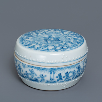 A Chinese blue and white box and cover with figurative design, Kangxi/Yongzheng