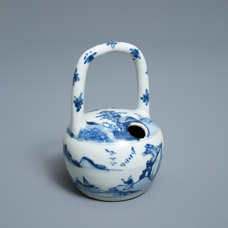 A Chinese blue and white lime pot for the Vietnamese market, Kangxi