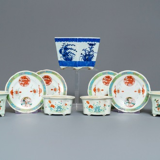 Five various Chinese jardinières and four plates, 19/20th C.