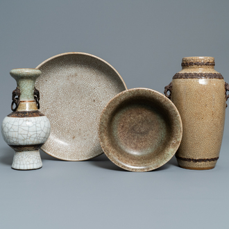 Two Chinese Nanking crackle-glazed vases, a ge-type bowl and a dish, 18/19th C.