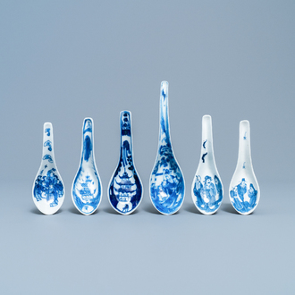 Six Chinese blue and white spoons with figures and pagoda, 19/20th C.