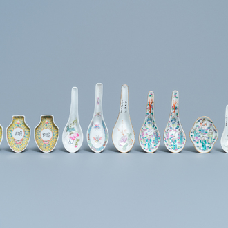 Seven Chinese famille rose spoons and four saucers, 19/20th C.