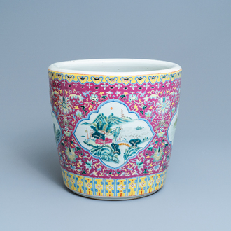 A Chinese famille rose jardinière with landscape medallions, 19th C.