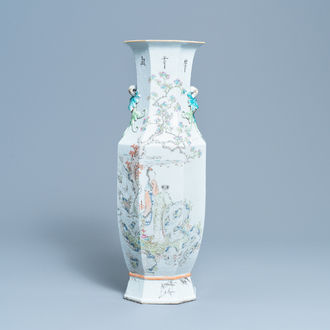 A Chinese octagonal qianjiang cai vase, 19/20th C.
