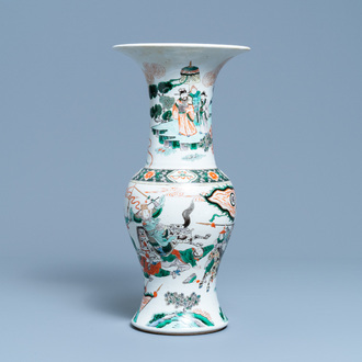 A Chinese famille verte yenyen vase with a soldier scene, 19th C.
