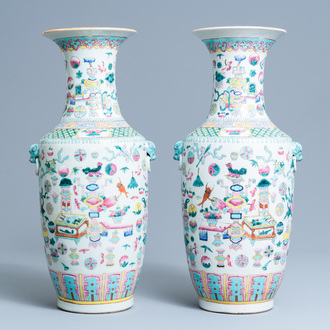 A pair of Chinese famille rose 'antiquities' vases, 19th C.