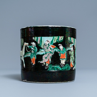A Chinese famille verte relief-molded scroll pot, 19/20th C.