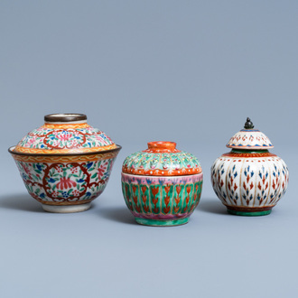 Two Chinese Thai market Bencharong bowls and covers and a covered jar, 19th C.