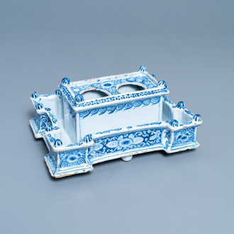 A large blue and white Delft-style inkwell, Nurnberg faience, Germany, 18th C.