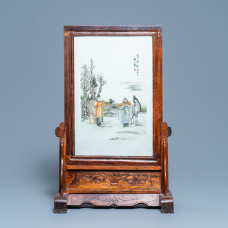 A Chinese wooden table screen with qianjiang cai plaque, 19/20th C.
