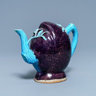 A Chinese aubergine- and turquoise-glazed peach-shaped cadogan teapot, 18/19th C.