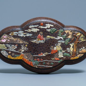 A Chinese mother-of-pearl and soapstone-inlaid lacquered box and cover, Qianlong mark, 18/19th C.