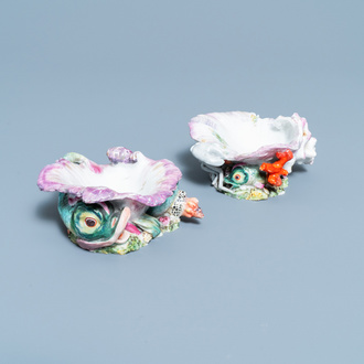 Two Chelsea porcelain shell-form salts, England, 18th C.