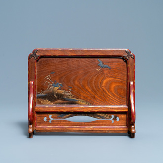 A Japanese lacquered wooden table screen, Edo, 18/19th C.