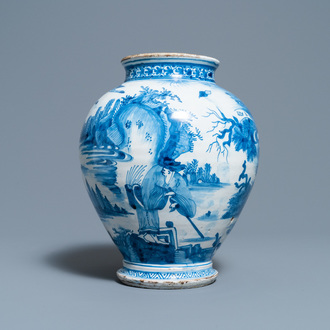 An early Dutch or English Delftware chinoiserie jar, 3rd quarter 17th C.