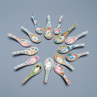Fifteen Chinese Canton famille rose and millefleurs spoons, 19/20th C.