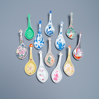 Twelve large Chinese blue and white, famille rose and polychrome spoons, 19/20th C.