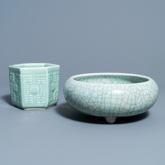 A Chinese crackle-glazed censer and a hexagonal celadon-glazed brush pot, 19th C.