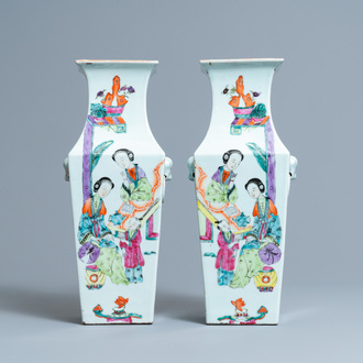 A pair of Chinese square famille rose vases, 19/20th C.