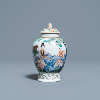 A fine Chinese famille rose tea caddy and cover, Yongzheng