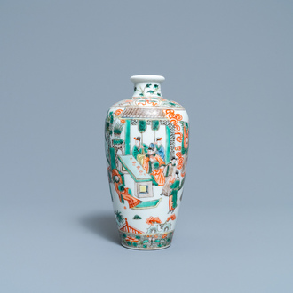 A Chinese famille verte 'meiping' vase, 19th C.