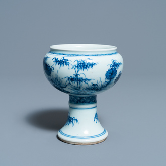 A Chinese blue and white stem cup with floral design, Kangxi/Yongzheng