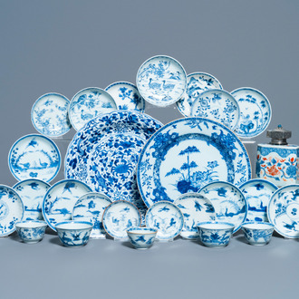 Eighteen Chinese blue and white saucers, seven cups, two dishes and a tea caddy, Kangxi/Qianlong
