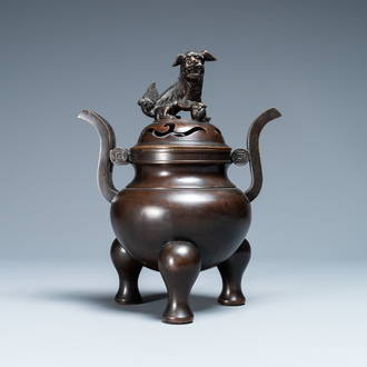 A Chinese bronze tripod censer and cover, Qianlong mark, 19/20th C.