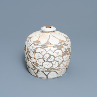 A Chinese cizhou 'truncated meiping' sgraffiato vase, Song/Ming