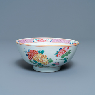 A Chinese famille rose bowl with floral design, Yongzheng