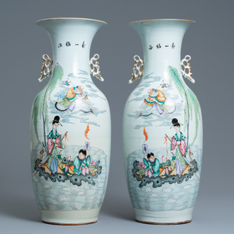 A pair of Chinese famille rose vases, 19/20th C.