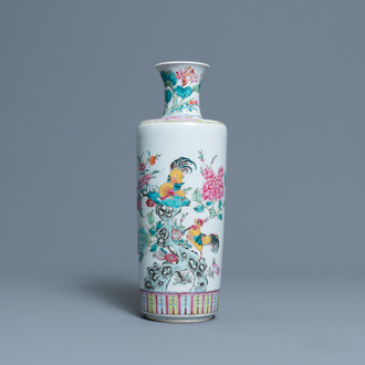 A Chinese famille rose 'rooster' vase, 19th C.