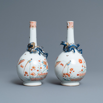A pair of Chinese Dutch-decorated Kakiemon-style bottle vases, Kangxi