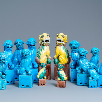 Fourteen Chinese monochrome turquoise and famille verte models of Buddhist lions, 19/20th C.