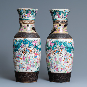 A pair of  Chinese famille rose Nanking crackle-glazed vases, 19th C.