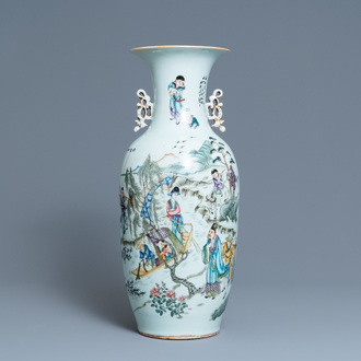 A Chinese qianjiang cai vase with two-sided design, 19/20th C.