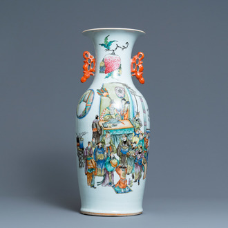 A Chinese two-sided qianjiang cai and famille rose vase, 19/20th C.