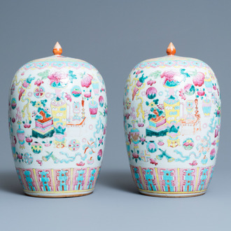 A pair of Chinese famille rose 'antiquities' jars and covers, 19th C.