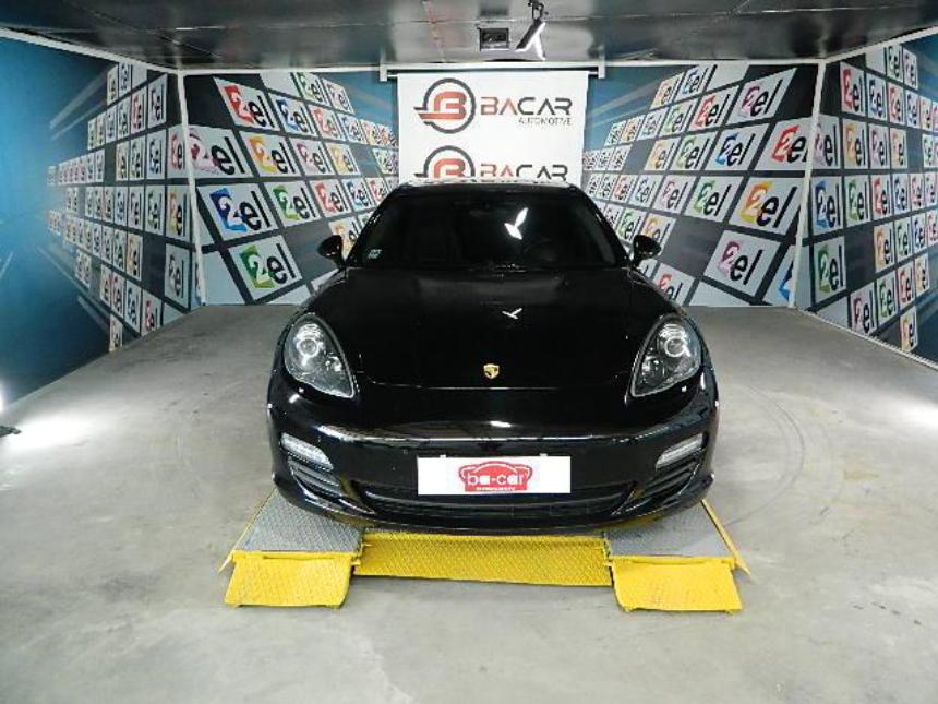 Porsche PANAMERA 4 HYBRİD