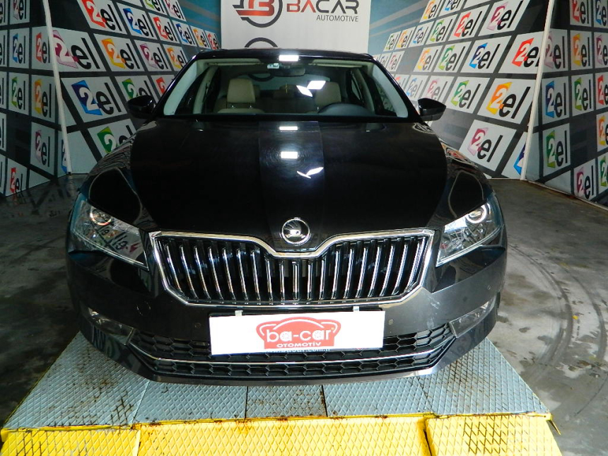 Skoda SUPERB 1.6 TDİ PRESTİGE DSG ADAPTİF + FRONT ASSİST