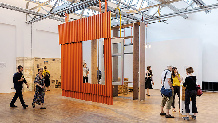 """Die Ausstellung """"Sorge um den Bestand"""" fand im Deutschen Architektur-Zentrum (DAZ) in Berlin-Mitte statt.Foto: Leon Lenk"""