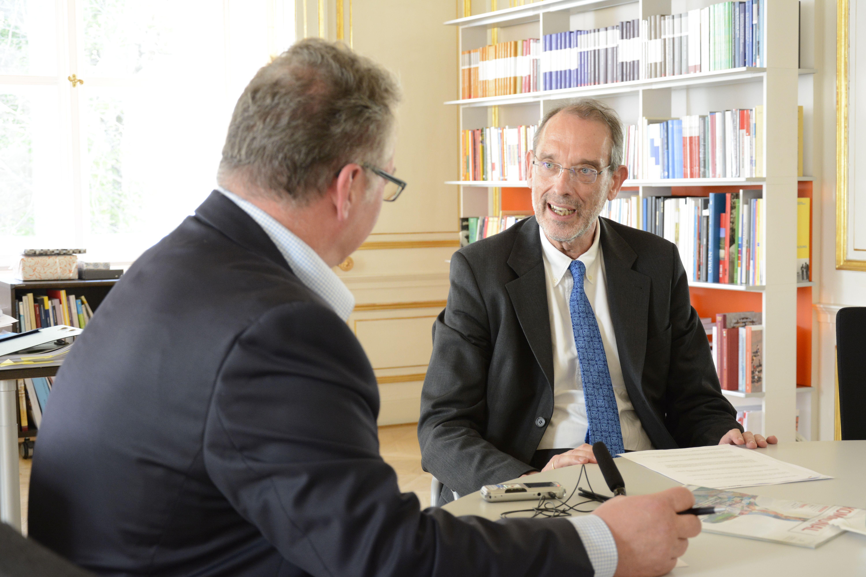 Minister Faßmann mit KOMMUNAL-Chefredakteur Hans Braun