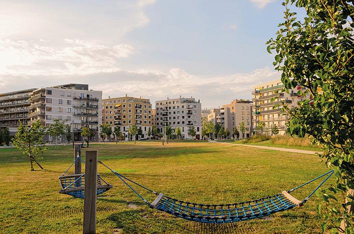 Hannah-Arendt-Park in der Seestadt Aspern mit Hängematte