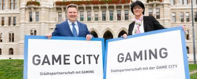 Wiens Bürgermeister Michael Ludwig und die Bürgermeisterin von Gaming, Renate Gruber