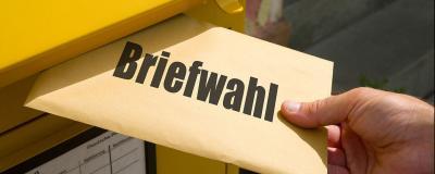 Kuvert mit Aufschrift Briefwahl
